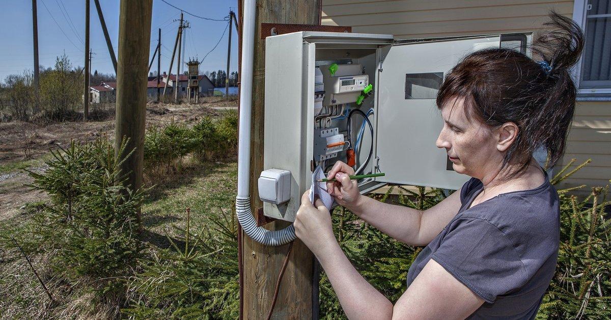 Замена электросчетчиков: за чей счет и кто должен платить за замену в частном доме или квартире, ее стоимость и программа государства