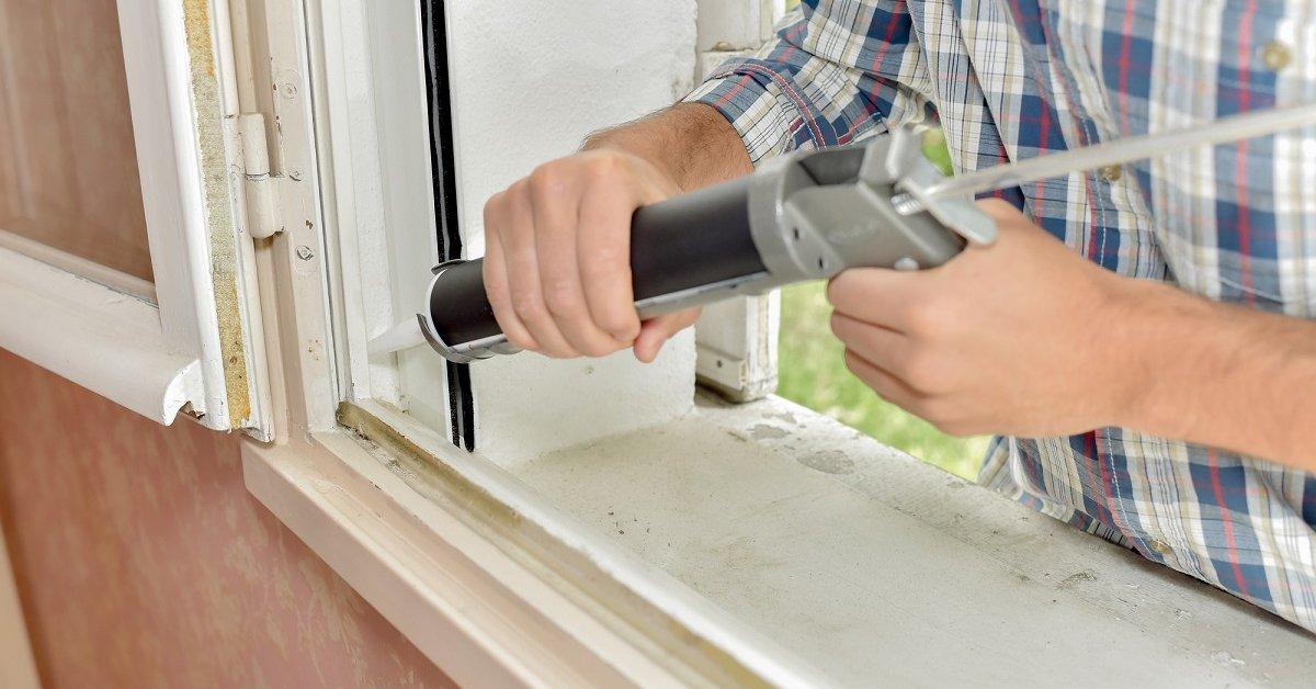 Как утеплить окна деревянные на зиму