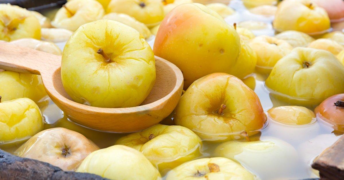 Моченые яблоки с хреном