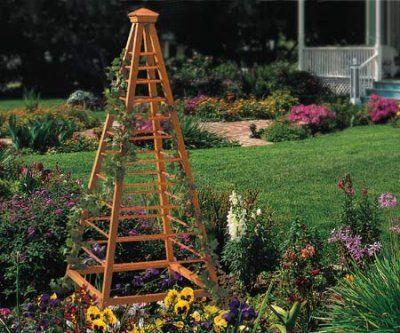 Деревянный обелиск