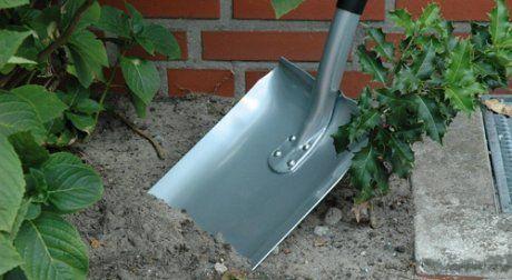 лопата для работ в саду