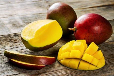 Как выбрать и правильно дозарить авокадо и манго