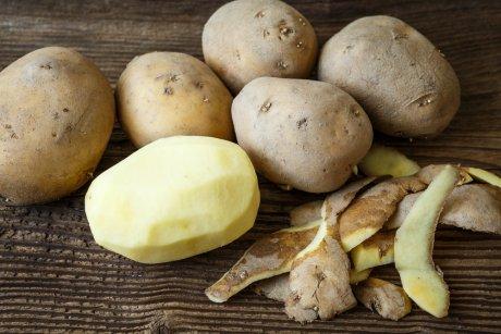 картофель чистить