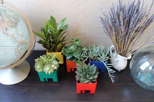 Растения в кашпо из дискет