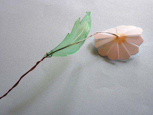 розовая ромашка из пэт-бутылки