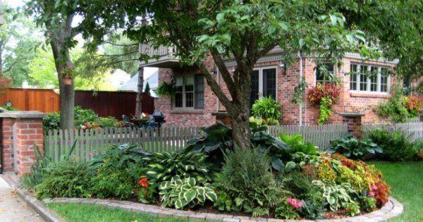 Приствольные круги плодовых деревьев - оформление на даче, клумбы с цветами