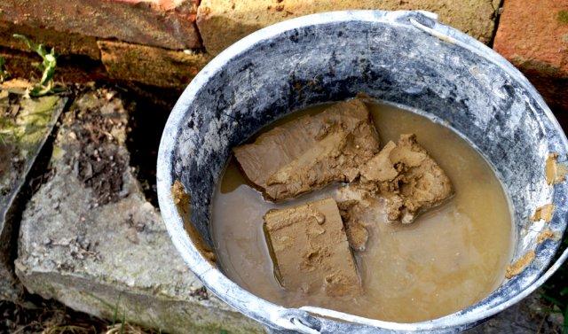 глина в ведре