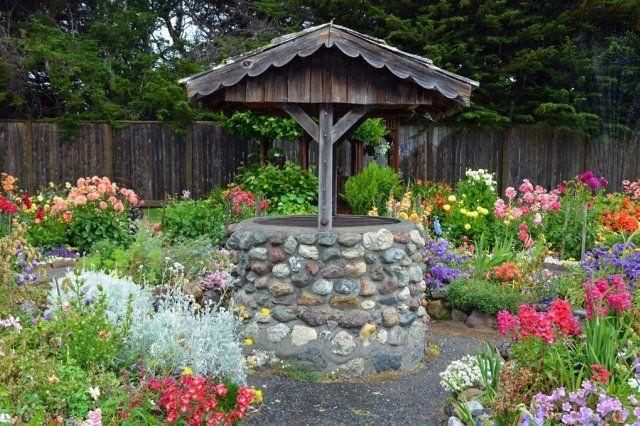 колодец в саду