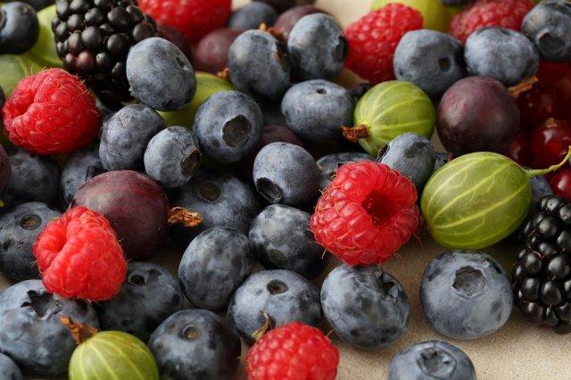 что можно есть перед сном ягоды