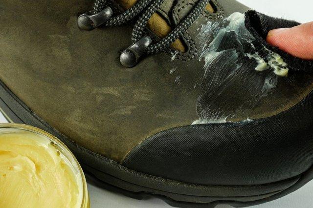 покрытие воском обуви