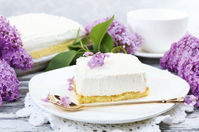 Сирень на торте