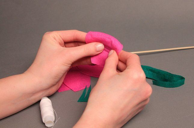 делаем сердцевинку розы из бумаги