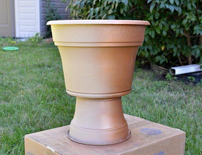 Наша заготовка уже похожа на дорогую уличную вазу