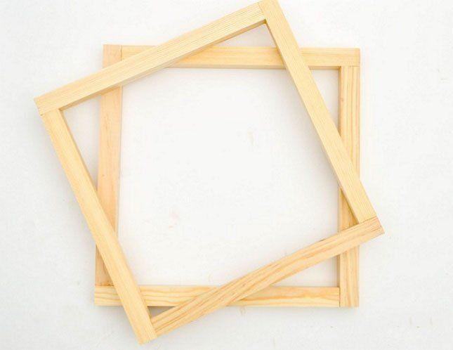 Всего у вас должно получиться 2 квадрата из брусков
