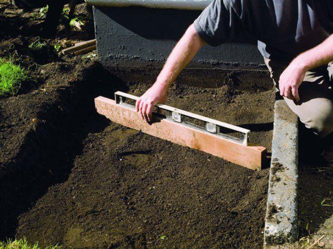 Тщательно выровняйте поверхность, чтобы покрыть ее защитным слоем