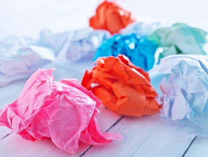 Поскольку бумага имеет свойства утрамбовываться, ее нужно периодически заменять